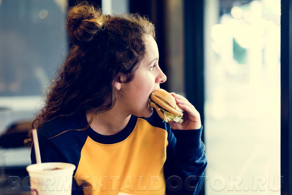 shutterstock 1088088911 - Ожирение у подростков